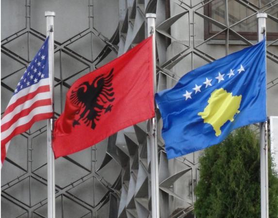 Решење За Косово треба тражити тек кад прође земљотрес у светским односима који траје